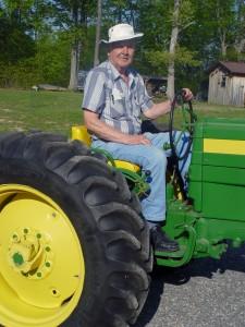 agriculteur sur son tracteur