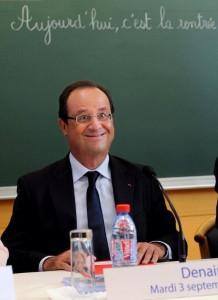 Hollande dans une école rentrée 2013
