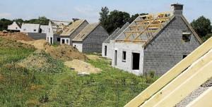Les mises en chantier s'écroulent, les demandes de permis de construire aussi...