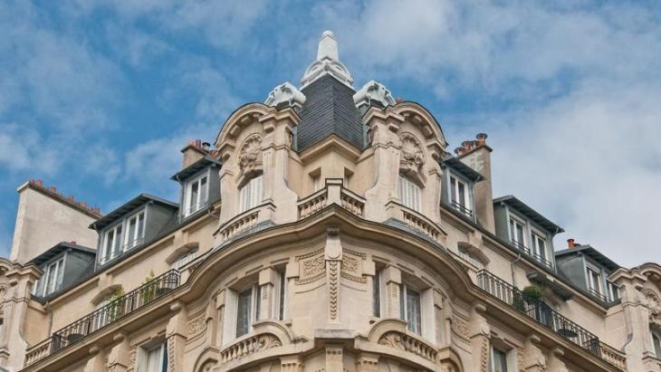 airbnb,location saisonnière,Paris,