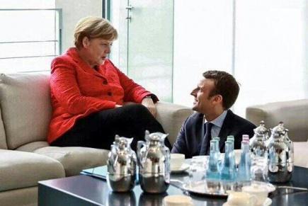 Macron européiste aux pieds de Merkel